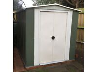 Green metal Shed, in great condition!!