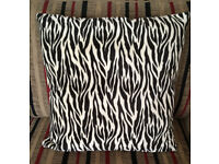 "Beautiful LARGE cushion zebra tiger stripes 20"" thick hollow fibre pad"