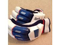 Kookaburra cricket gloves youth hardly used