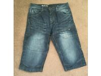 Men's shorts (just below knee length) - 32/32