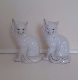 COLLECTABLE CAT ORNAMENTS
