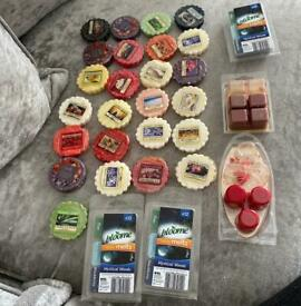 bundle of 25. wax melts and packets of 12 melts