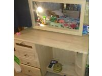 2 year old dressing table