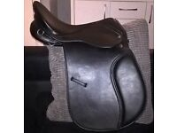 "17"" wide synthetic saddle"