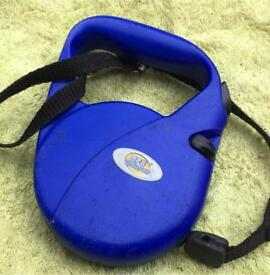 Blue extendable Dog Lead