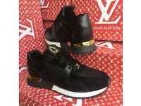 Louis Vuitton Runners only size 9