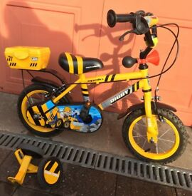 Bicycle - suitable for age 3/4/5, stabilisers included