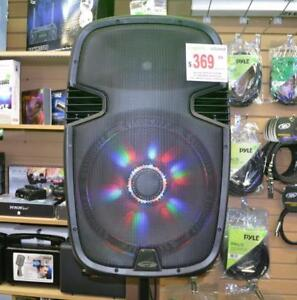 "4315TN 15"" 1000 WATT PORTABLE RECHARGEABLE PA DJ PARTY SPEAKER W/ 2 BUILT-IN DUAL VHF WIRELESS MICROPHONES AND LED"
