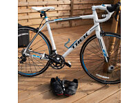Trek Madone 2.1 Road Bike - Added accessories, great condition, carbon fibre forks, Shimano 105