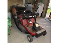 Ride on Mower for spares or repair. Engine OK, needs new belt and pulley bearing and some TLC.