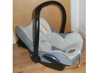 Maxi-Cosi Cabriofix Baby Car Seat w/Easyfix Base