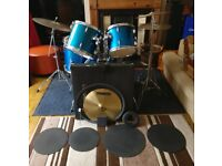 Drum kit: full 5-piece + Zyn cymbals + upgraded heads + Mapex bass drum pedal + extras