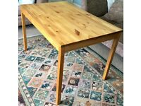 Solid Pine Table Height 29in/74cm Length 46.5in/118cm Width 29.5in/75cm