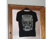 4 T- shirts