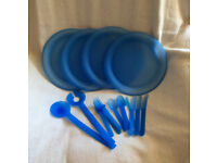 PICNIC PLATES AND CUTLERY