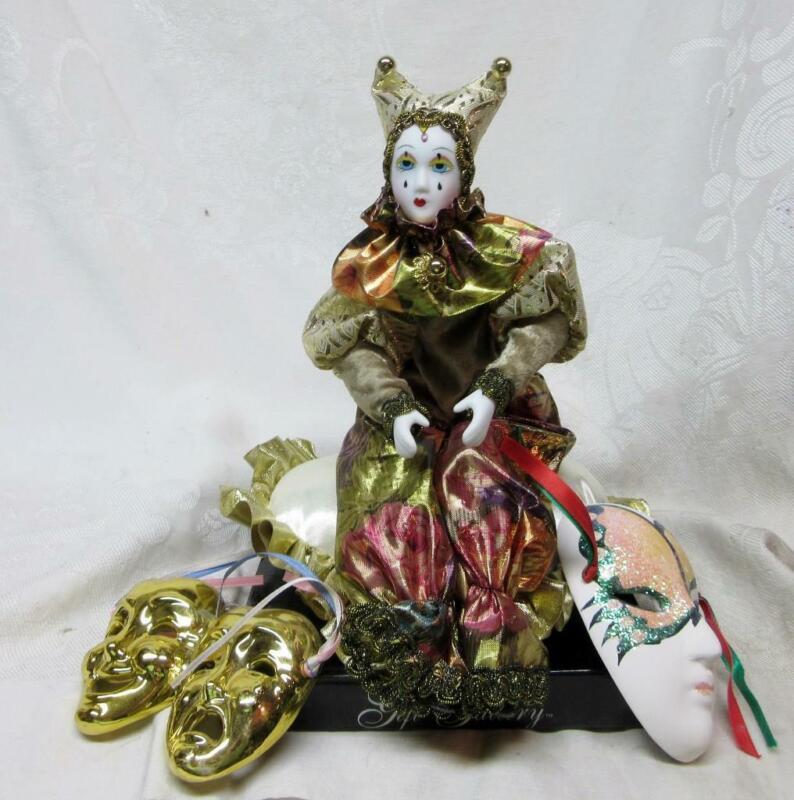 Vintage Gift Gallery Porcelain HARLEQUIN MUSICAL Clown DOLL on PILLOW w  2 MASKS