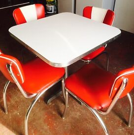American Style Retro/Vintage Dining Table & Chairs