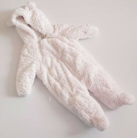 "UNISEX ""Furry Bear"" Baby Pramsuit in white (3-6 months)"