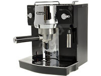 Delonghi espresso and Cappucchino machine in Black
