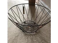 Wire fruit bowl (copper effect)