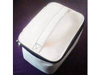 Liz Earle Cream Top Handle Zipped Toiletry Wash Bag Makeup Vanity Case+FREE GIFT!