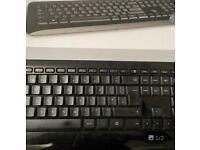 Microsoft Wireless Keyboard 850 W mouse