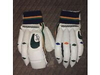 Kookaburra Cricket gloves (RH)