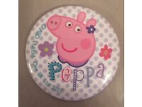 Peppa Pig badge (BRAND NEW) (FFSP)