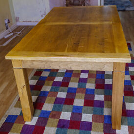 Solid Oak Wood Extendable Dining Room Table with 6 Oak Chairs with Oak bench