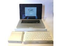 "MacBook Pro 15.4"" - 2.5Ghz Quad Core i7 - 16GB Ram - GT 750m - 2014 - Keyboard & Trackpad"