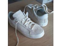 Adidas Court Vantage trainers size 6