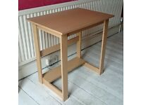 Small desk – suitable for bedroom or home office