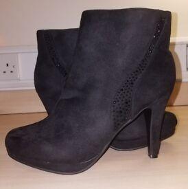 Black Suedette Ankle Boots, Size 8(UK)