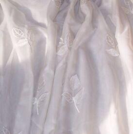 Lightweight curtains