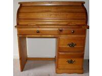 Pine roll top bureau style desk