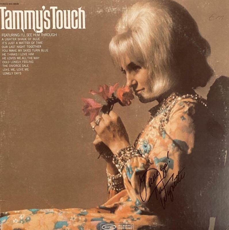 "TAMMY WYNETTE HAND SIGNED AUTOGRAPH LP ALBUM ""TAMMY"