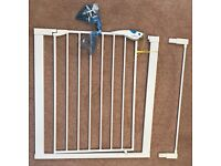 Lindam Easy Fit Plus Deluxe Safety Gate and Extension (4 available)