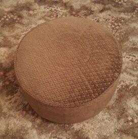 Pouffe / footstool