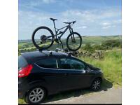 Thule roof bars + fitting kit. Ford Fiesta