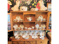Royal Worcester Evesham Vale dishes with free Dresser.