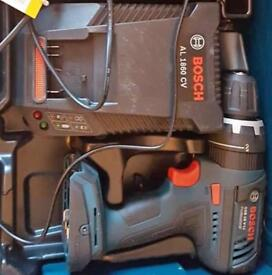 Bosch GSB-18v professional & changers like new