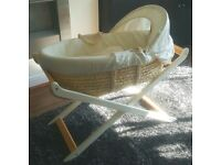 Mothercare Moses Basket With Stand INCLUDES: 2x Unopened Fitted Sheets & 2x Unopened Blankets