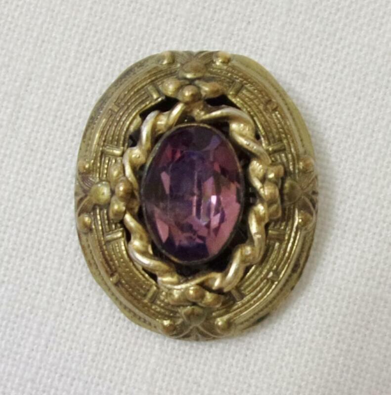 Victorian Gold Tone Fur Clip w Oval Amethyst Faceted Rhinestone