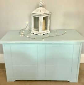 Blanket box / toy box. Duck egg blue