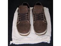 New, Solerebels Urbanrunner Pure Vol .1 Casual Shoes (UK: 10, Custom Hand Made, Fair Trade, Organic)