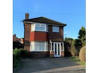 3 bedroom house in Conway Road, Feltham