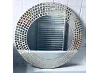 Round mirror, quick sale at only £15, collection from Bradford 5,no time wasters please