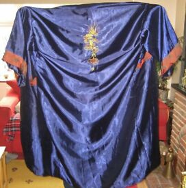 Quality Reversible Vintage 1970s 100% Pure Silk Kimono.