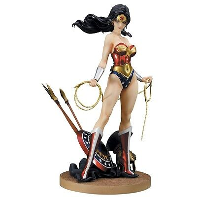 "*NEW* DC COMICS WONDER WOMAN 9"" TALL 1/7 PVC BISHOUJO FIGURE on Rummage"