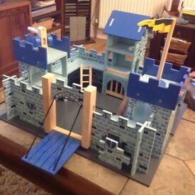 Le Toy Van solid wood Excalibur Castle
